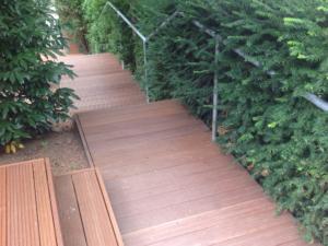Treppe erneuert mit Terrassenholz. Meisterbau - solides Handwerk