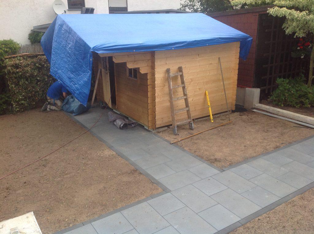 Ergebnis der Umgestaltung eines Gartens mit Anfertigung einer neuen Gartenlaube. Meisterbau - Solides handwerk im Rhein-Main-Gebiet